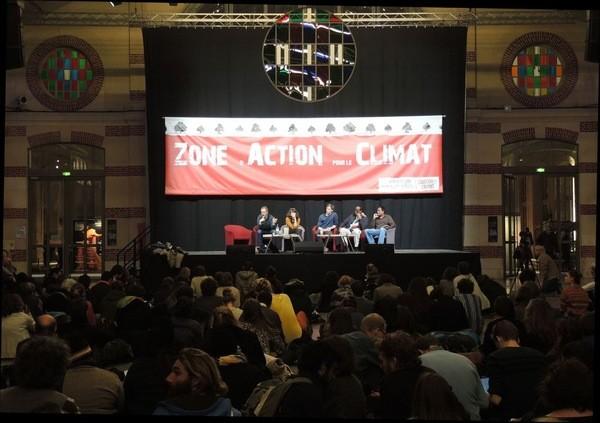 Dans-Zone-Action-Climat-militants-mobilisent-pour-peser-discussions-COP-21_0_730_423